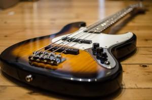 bass-913092_640